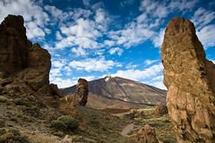 Pico del Teide, Tenerife (szeke) Tags: mountain clouds landscape volcano spain place tenerife teide canaryislands picodelteide mywinners dazzlingshots absolutelystunningscapes losroquesdegarca showmeyourqualitypixels