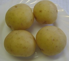 薯仔 washed potatoes