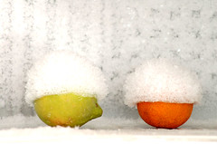 frutta fresca...di stagione (Leluzzeju) Tags: orange ice yellow frozen lemon amarillo giallo naranja limone arancia