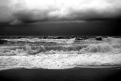 Angry and gloom (enrix64) Tags: sea storm landscape mare bn calabria onde tempesta diamante blackandwithe mareggiate monocromatiche bestcapturesaoi enrix enrix64