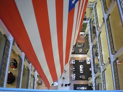 Marshall Field's Looking Down (neshachan) Tags: chicago illinois flag il departmentstore macys dizzy lookingdown marshallfields usflag chicagoil longwaydown afraidofheights megatrip2008 megaroadtrip2008
