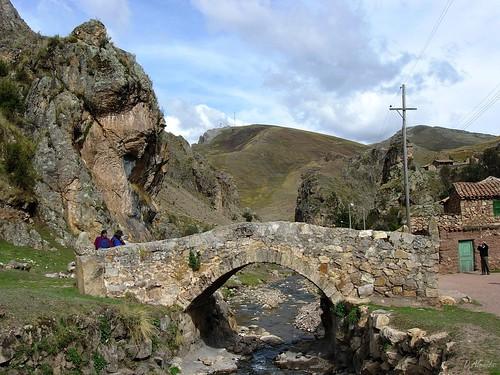 Puente en Sacsamarca, Huancavelica 1 por David Baggins.