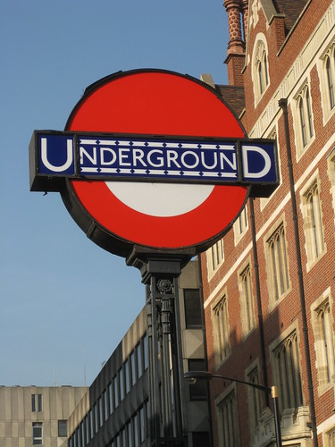 London Transport Museum Roundel Scavenger Hunt by doconner