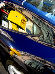 1OEDR (Gabri Le Cabri) Tags: blue red sky selfportrait black paris reflection car wheel yellow mailbox buildings graffiti cafe sticker paris2 spide 75002 rdeo1