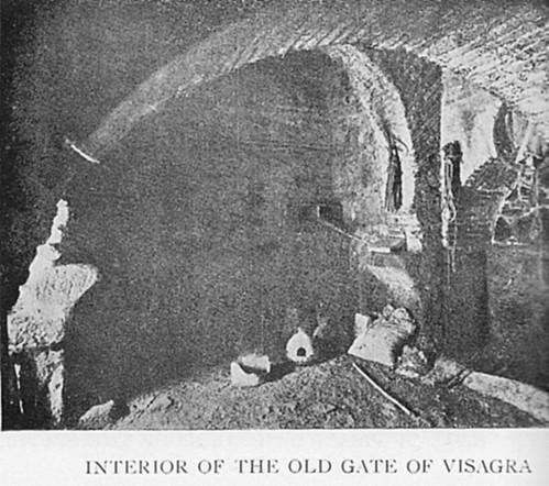 Interior de la Puerta vieja de Bisagra o de Alfonso VI (Toledo). Antes de 1905
