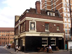 Gladstone, Borough, SE1 (Ewan-M) Tags: england london borough pubs gladstone se1 gbg rgl thegladstone lantstreet sanctuarystreet londonboroughofsouthwark needsrglreview charringtonpub thegladstonearms gladstonearms gbg1992 goodbeerguidepub