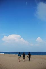 118 (Ravages) Tags: friends sea sun india lake beach coast sand surf colleagues ravages tamil backwaters tamilnadu pulicat bayofbengal indianness officetrip dutchcolony pazhaverkaadu keezhkadal