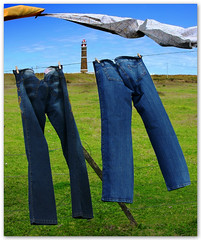 You and Me (Silvia de Luque) Tags: lighthouse faro uruguay clothes jeans ropa cabopolonio vaqueros youandme alhambra2006 silviadeluque artlibre