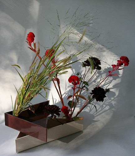 Ikebana-using two kenzans