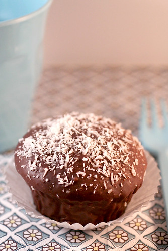 Cupcake lamingtons