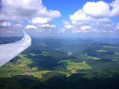 Schwarzwald (Black Forest) (Peter Millenaar ) Tags: sky clouds aviation cumulus soaring gliding glider thermal schwarzwald blackforest sailplane zweefvliegtuig segelfliegen zweefvliegen segelflug discus2a segelfugzeug
