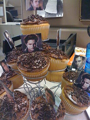 Clive Owen/Robert Pattinson Birthday cupcakes? YES PLEASE (.Hollie.) Tags: robert happybirthday owen clive cliveowen robertpattinson pattinson
