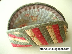 Patchwork Pouch (STORY QUILT) Tags: cute beautiful diy handmade purse pouch patchwork zakka patchworkpursepouchhandmadediycutebeautiful