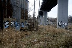 3 for the price of 1 (Hahn Conkers) Tags: ohio graffiti reader cleveland bones readmore mrbones bookman readmorebooks boans