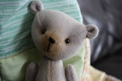 Padgett Portrait (The Craggy Moor) Tags: bear wool vintage friend sweet handmade ooak oldfashioned jointed artistbear cotterpin