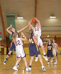 Mattea Zabala rips down a rebound. (Photo by RANDY PARKS)