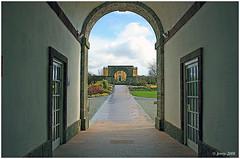 Through the Arches.. (welshlady) Tags: wales memorial carmarthenshire photoshoot arches bandstand botanicalgardens wfc captainscott welshlady southwestwales welshflickrcymru wfc09032008nbg