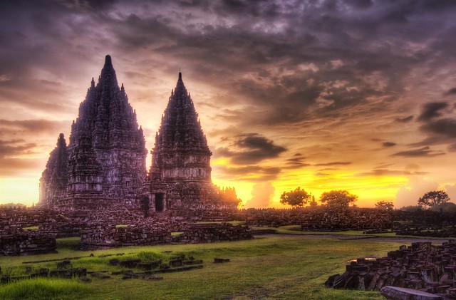 The Lost Hindu Temple in the Jungle Mist high dynamic range HDR Photography inspiration and tutorial in Photoshop