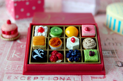 Re-ment Miniature Petit Fours