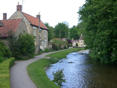 Thornton-le-Dale - flckr - Between a Rock