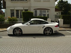 Porsche 997 Turbo (Robin Kiewiet) Tags: white lumix photography geneva top 911 fast gear automotive 2006 jeremy led turbo porsche knokke gt 36 dmc motorshow carrera turbocharged clarkson thriller 997 gt1 tiptronic vtg aerodynamica fz8 473bhp