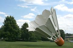 Shuttlecock (skippytpe) Tags: sculpture art kansascity missouri shuttlecock claesoldenburg coosjevanbruggen