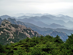 China Travel - Huangshan, Anhui  (Lao Wu Zei) Tags: china travel mountains nature scenery photos unesco     worldheritage  huangshan   350views