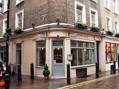 La Trouvaille, Soho, W1 (Ewan-M) Tags: england london soho w1 frenchrestaurant cityofwestminster trouvaille w1f newburghstreet latrouvaille lowndescourt