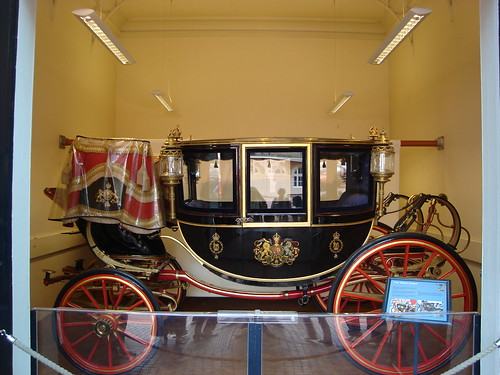 Buckingham Palace and Royal Mews BY 008