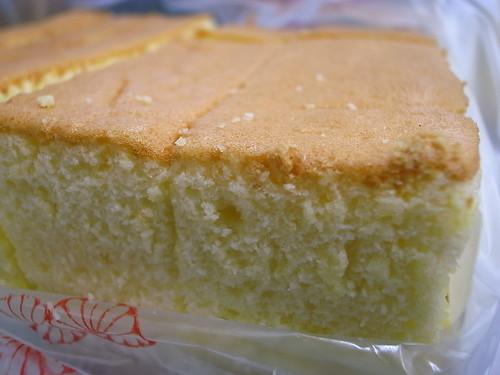 也是超濃蛋香的剛出爐海綿蛋糕