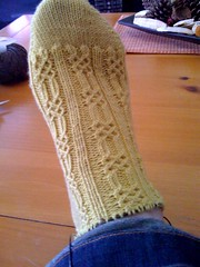 9/28: knotty socks progress