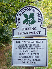 Fulking Escarpment (kat's_eye) Tags: england sunshine sign downs walking path nationaltrust acorns september2008 fulkingescarpment