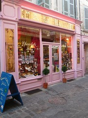 Shop in St Jean d'Angely (Changaa) Tags: 15challengeswinner thechallengefactory tcfwinner