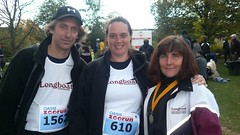 Kim, Chris and Kathleen (Longboat Daily Express Editor) Tags: toronto race running run racing 10k longboat jogging mcpeake 10km zoo2008 canadarunningseries