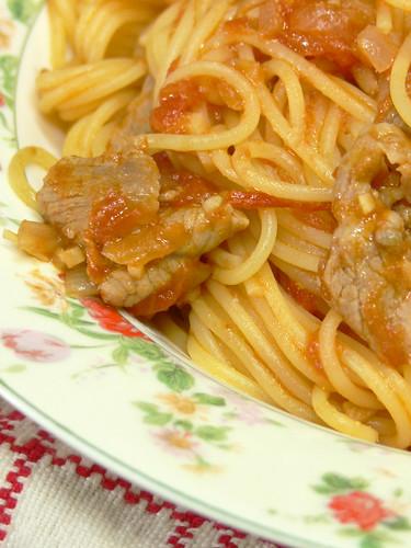 豚肉こまぎれのトマトソーススパゲティ