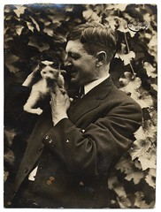 Alfred Lenz with a cat (Smithsonian Institution) Tags: portrait cute cat kitten photographer catman smithsonianinstitution mancat archivesofamericanart alfredlenztreecat