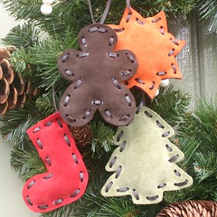 Set of suede Christmas decorations
