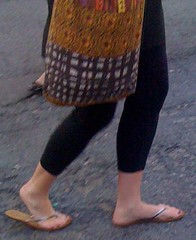 IMG_0407 (Recon Candids) Tags: toes thick high heels flops flip feet candid