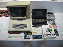 roba da museo (tozzini.marco) Tags: windows apple vintage gameboy sinclair supernintendo zx80