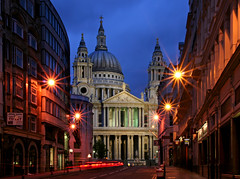 London St. Paul's (david.bank (www.david-bank.com)) Tags: city uk england london church st architecture twilight cathedral dusk religion christopher pauls landmark wren bluehour ludgatehill 5photosaday davidbank