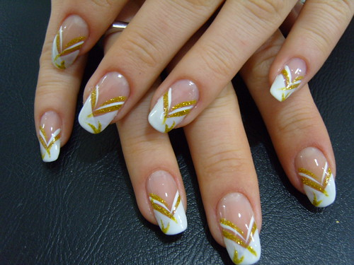 Hangover Part 2 Elegant Gold And White Color Nail Art Design