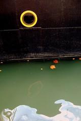 (Viou) Tags: reflet pniche rond paris19