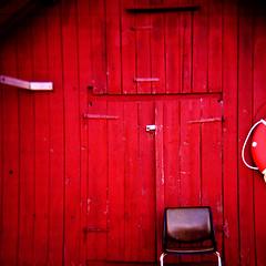 holga (lala) le mur rouge