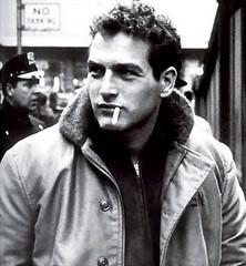 Paul Newman muere a los 83 años
