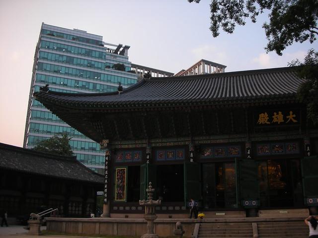 Seoul 20 - Jogyesa temple by Ben Beiske