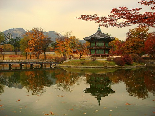 Unforgettable Sight of Korea - Autumn in The Palace