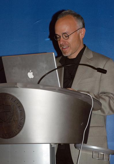podium_web.jpg