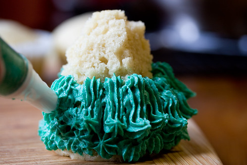 Icing Pine Tree Cakes
