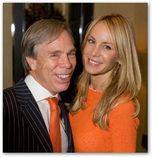 Smiling Couple: Dee Ocleppo & Tommy Hilfiger