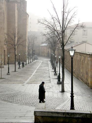 Señor en calle Unamuno2
